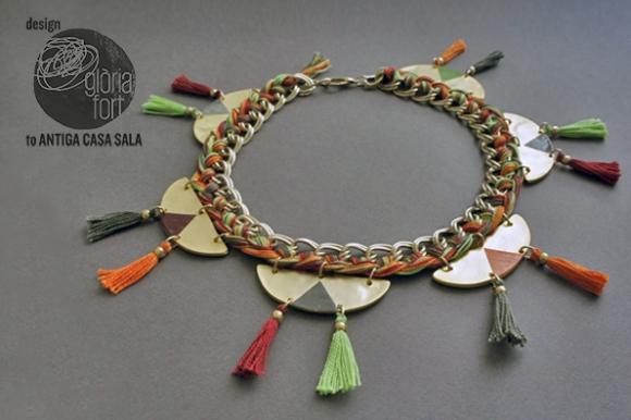 Collar Tassel
