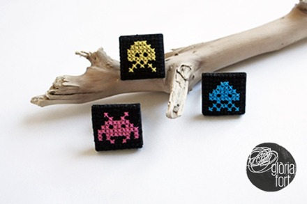 Space-invaders-ring-Gloria-Fort