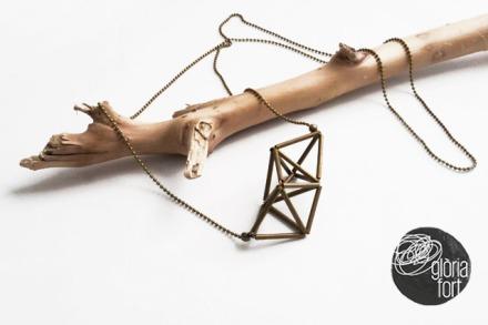 Triangulum-necklace-Gloria-Fort