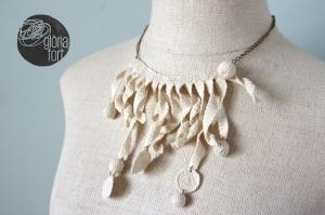 00_white crochet
