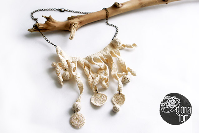White-crochet-necklace-Gloria-Fort