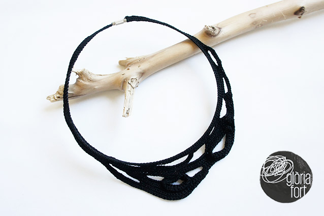 BLACK-CROCHET-necklace-_-Gloria-Fort